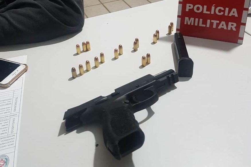 Polícia prende suspeito com arma de fogo durante operação em Catolé do Rocha