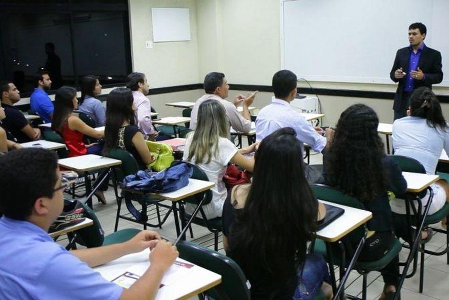 Aulas presenciais são liberadas para concluintes em faculdades privadas de João Pessoa