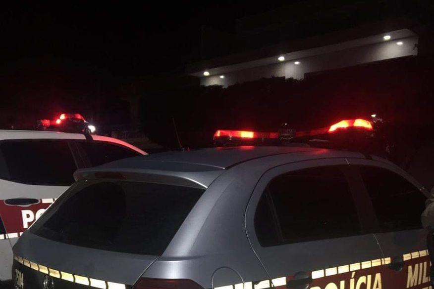 Policiais militares prendem quatro pessoas e apreendem arma de fogo no Agreste da Paraíba