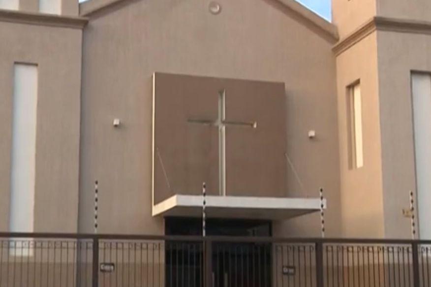 Padre denuncia furto de R$ 8 mil e invasão à casa paroquial de igreja em Campina Grande