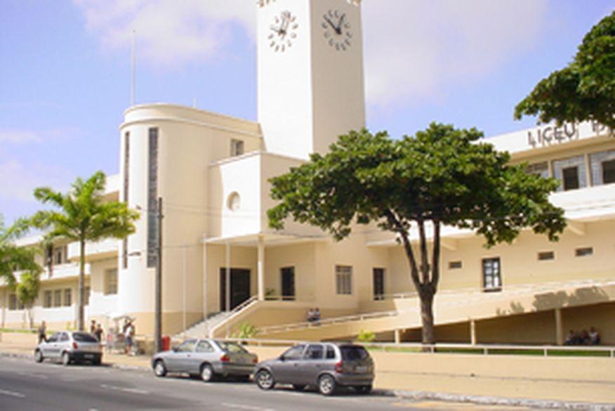 Aulas presenciais ainda não têm data prevista, mas secretaria da Educação da Paraíba estuda protocolos de retorno