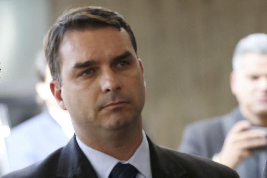 PGR defende que STF rejeite recurso e mantenha foro privilegiado de Flávio Bolsonaro no caso das rachadinhas