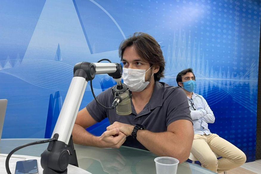 Pedro Cunha Lima tira licença da Câmara dos Deputados e humorista Rafafá assume vaga