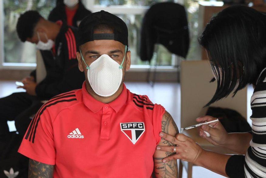 Brasil vai a Tóquio com 95% da delegação vacinada contra Covid-19
