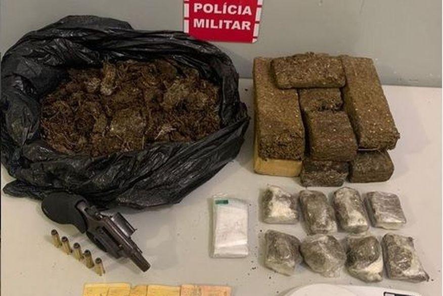 Homem é preso com arma e drogas em Santa Rita