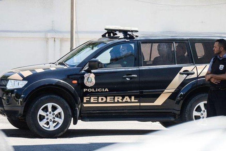 Polícia Federal cumpre mandado em João Pessoa durante operação contra desvio de R$ 16 milhões de verbas públicas na Paraíba e mais cinco estados