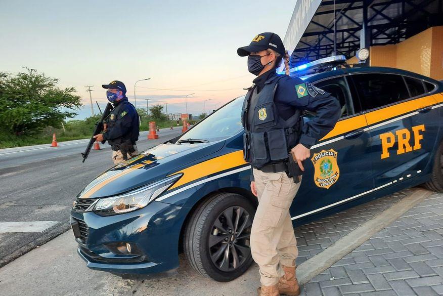 Colisão entre motocicleta e carro deixa uma mulher morta no município de Sobrado