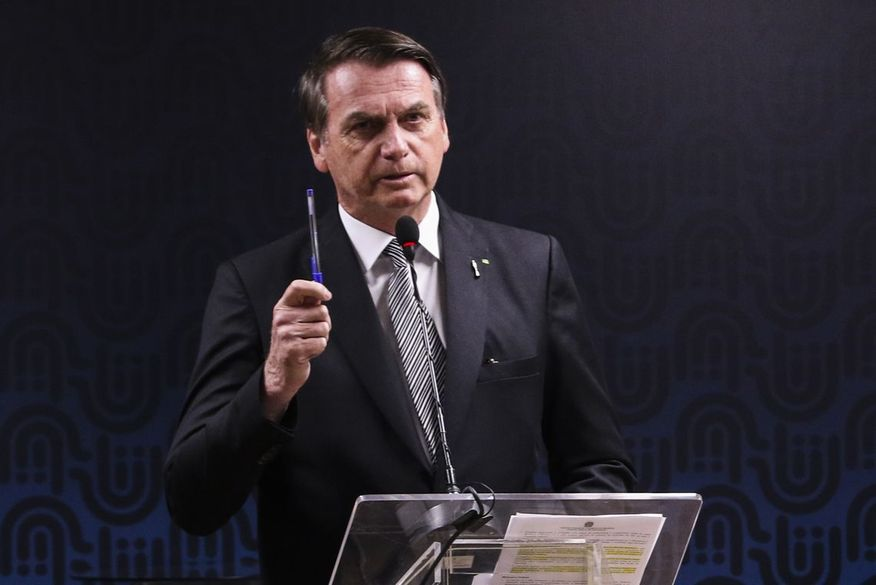 Bolsonaro diz que controles governamentais impediram compra de Covaxin