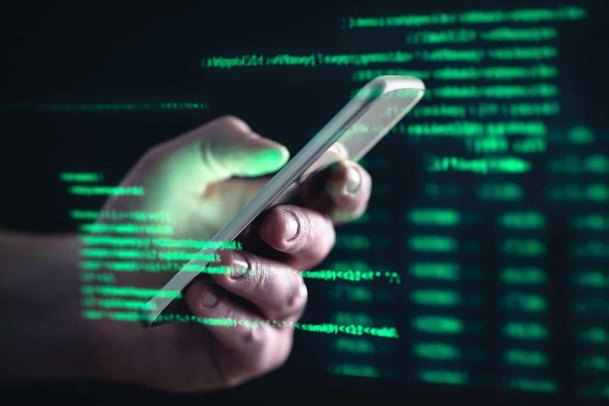 Programas, tutoriais e brechas ajudam quadrilhas a cometer fraudes via celular