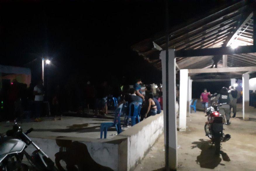 Polícia encerra festa que reunia mais de 200 pessoas no Sertão da Paraíba