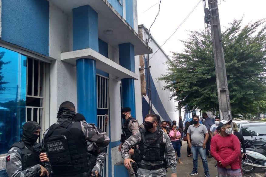 Bomba caseira explode na Câmara Municipal de Sapé durante sessão tumultuada
