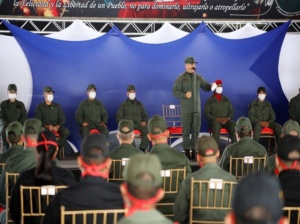 Alto Mando condecoró a militares de la Operación Negro Primero
