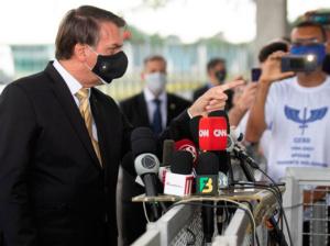 Venezuela denuncia a Bolsonaro por negligencia criminal ante covid-19