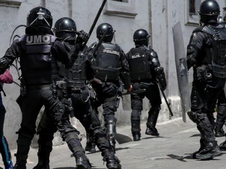 Alcaldes de Ecuador denuncian represión con gases lacrimógenos