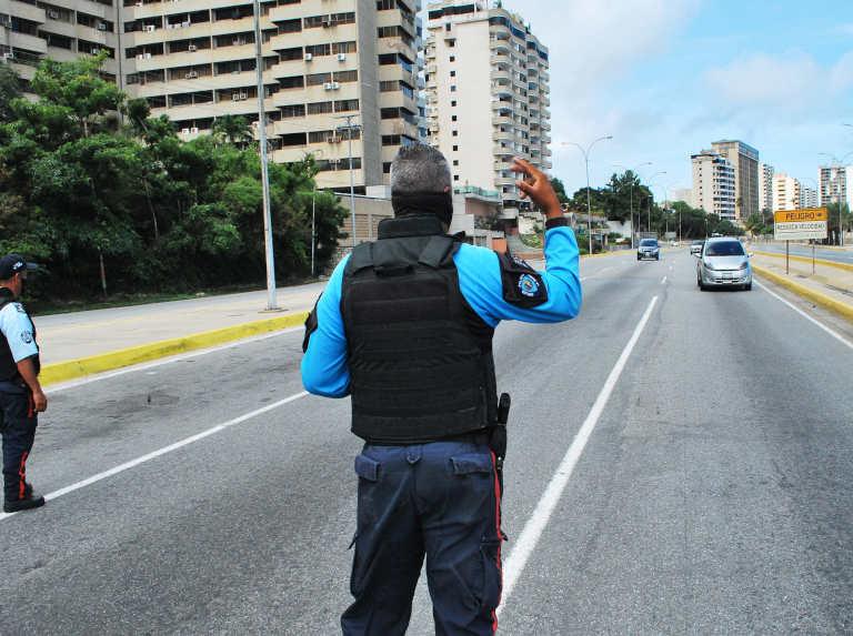 Inicia flexibilización parcial en La Guaira con restricción vehicular
