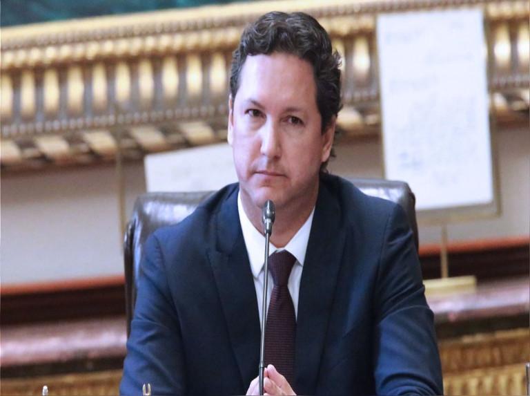 Candidato peruano que ofreció expulsar venezolanos huye al ser confrontado
