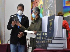 Arce recibe informe final sobre crímenes de las dictaduras bolivianas