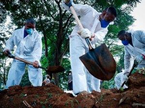 Brasil supera 100 mil contagios diarios y mantiene alta cifra de muertos