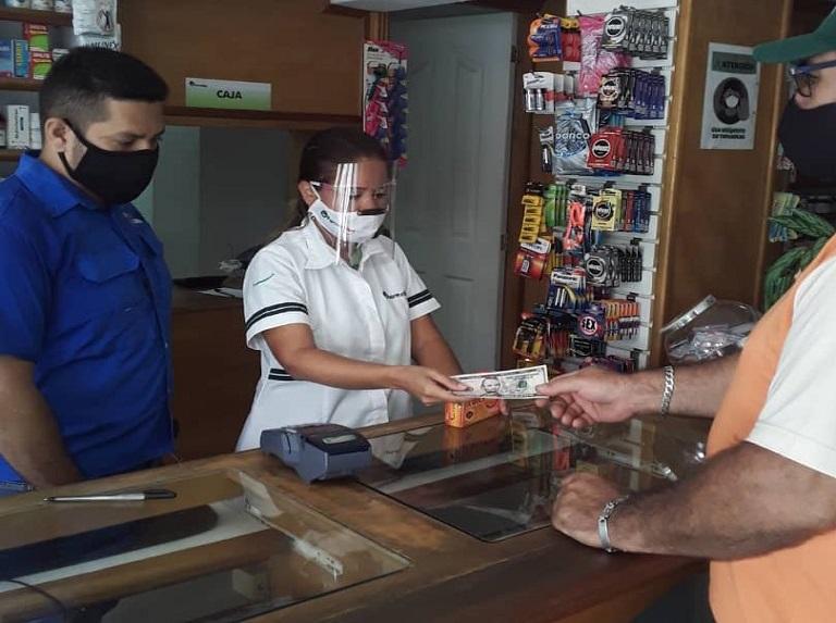 Sundde realizó jornada para verificar precios en cadenas de farmacias