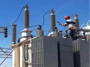 Realizan mantenimiento a 7 subestaciones eléctricas en el Zulia