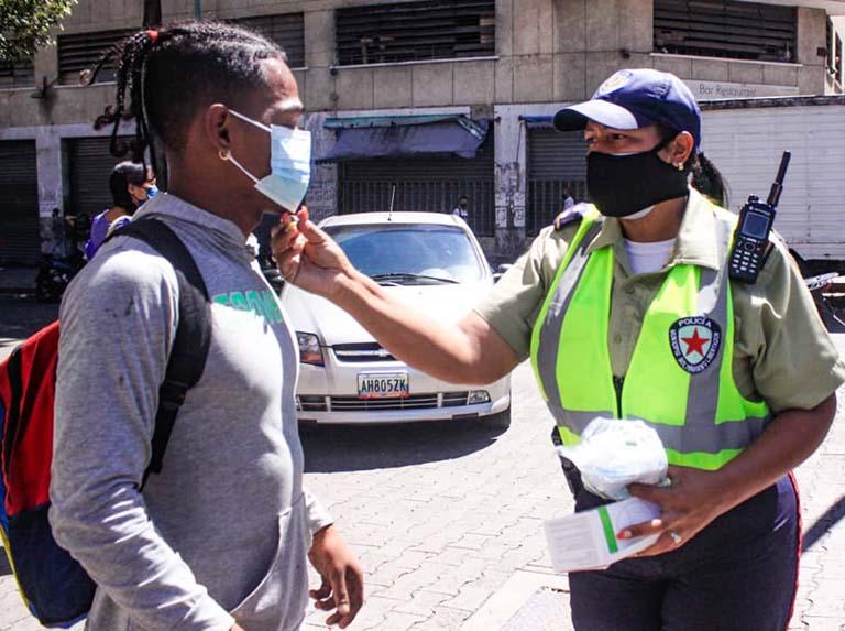 Cuerpos de seguridad hacen cumplir medidas de bioseguridad en Catia