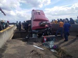 Cinco muertos por colisión de autobús en la Cantaura-El Tigre