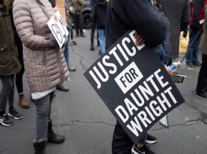Acusan de homicidio involuntario a la agente que mató a Daunte Wright