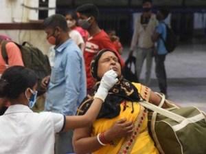 India rompe récord de casos de Covid-19 por tercer día