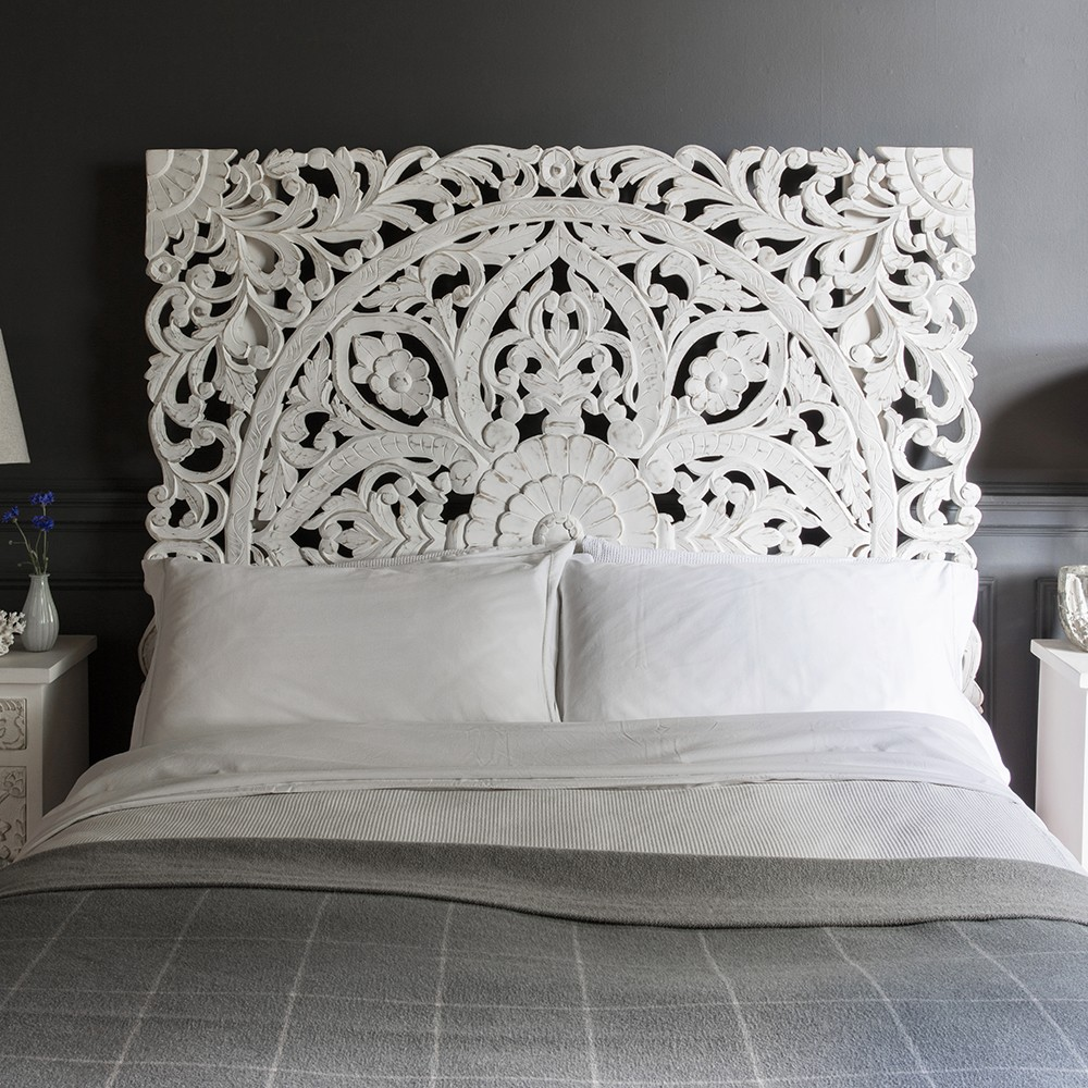 10 Awesome Bedroom Decor Ideas With Wooden Headboards