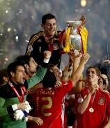 En 2008 levanta su primera Eurocopa