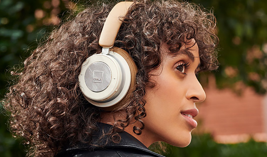 Erstmals gibt´s was auf die Ohren: Zwei neue Kopfhörer von Dali