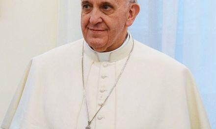 Sony Ultra HD Kamera setzt den neuen Papst Franziskus ins rechte Licht