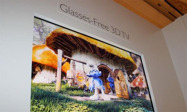 Philips präsentiert auf der CES 2013 brillenfreien 3D Ultra HD TV