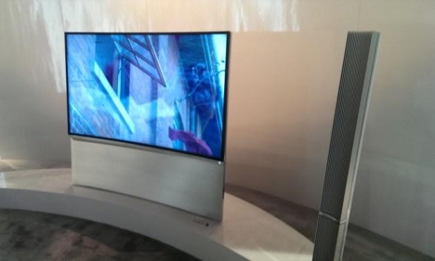 Toshiba Curved Ultra HD TV zeigt sich bei den Toshiba Heimspielen