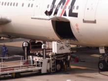 飛行機_荷物の入口