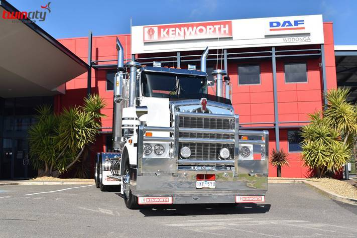 Kenworth with Nitro 140W Driving lights