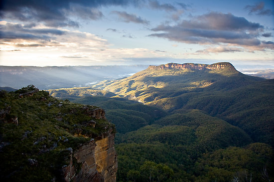 With a distinct lack of real 'mountains' in NSW, Australia - Mount Solitary is where many Aussie ultra runners go to get their vertical fixes