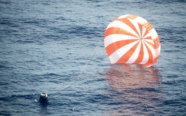 SpaceX Dragon Splashdown