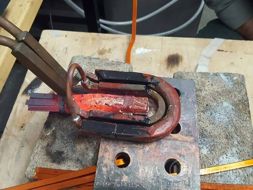Brazing copper with metal