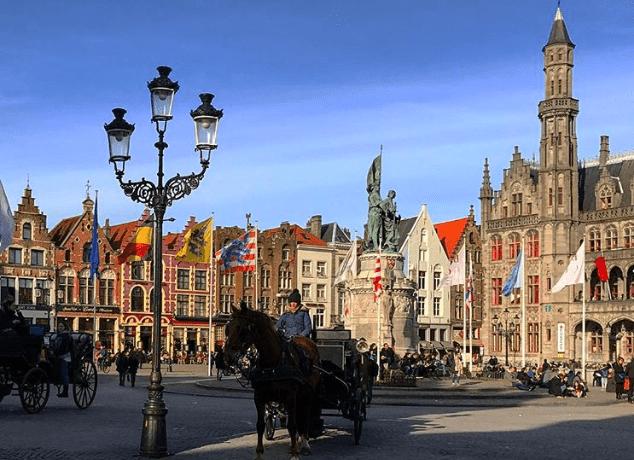 Grote Market, em Bruges