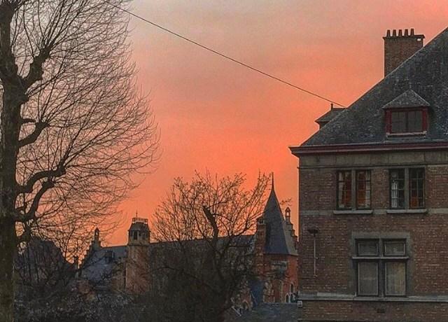 Ganhamos um belo pôr do sol no fim de nosso passeio em Ghent