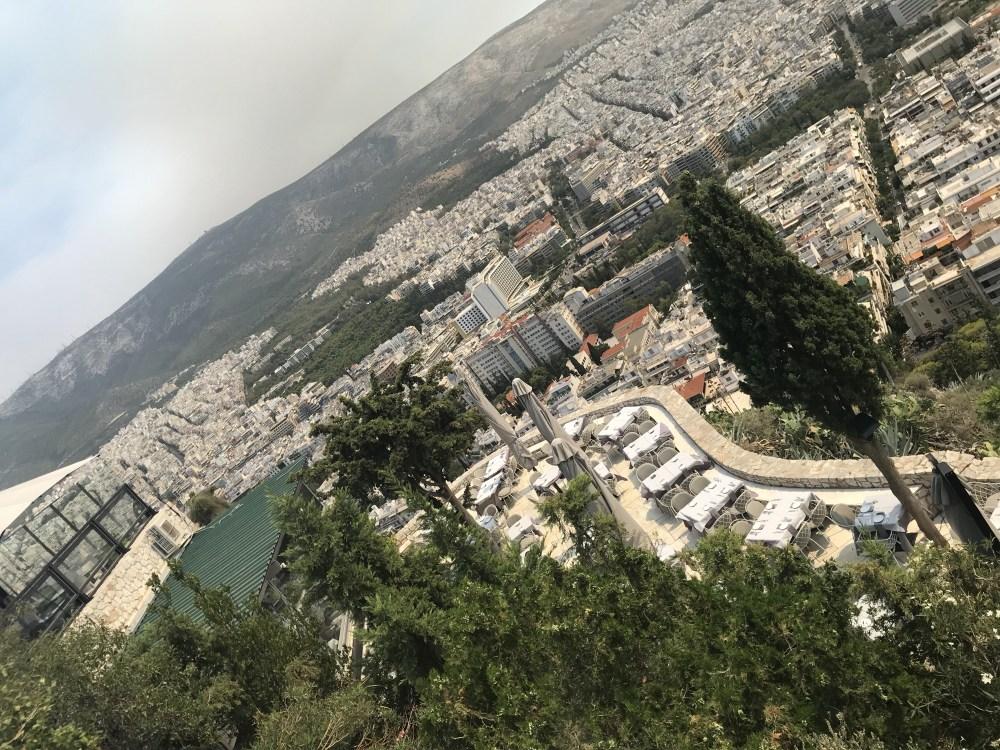 Vista de Atenas do monte mais alto da cidade