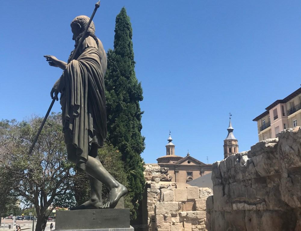 Ruínas e escultura em Cesaraugusta, Zaragoza
