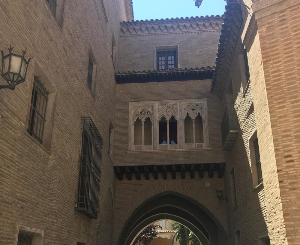 Amei essa passagem que encontramos no centro de Zaragoza