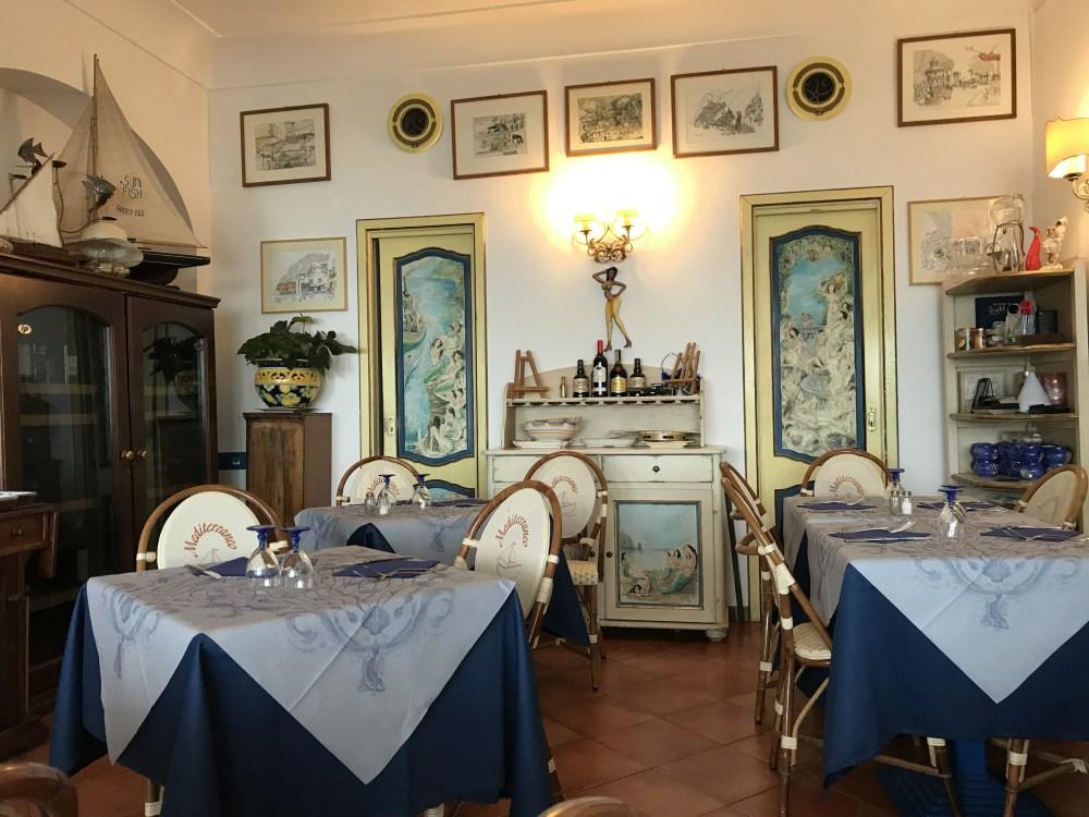O restaurante Mediterrâneo de Positano