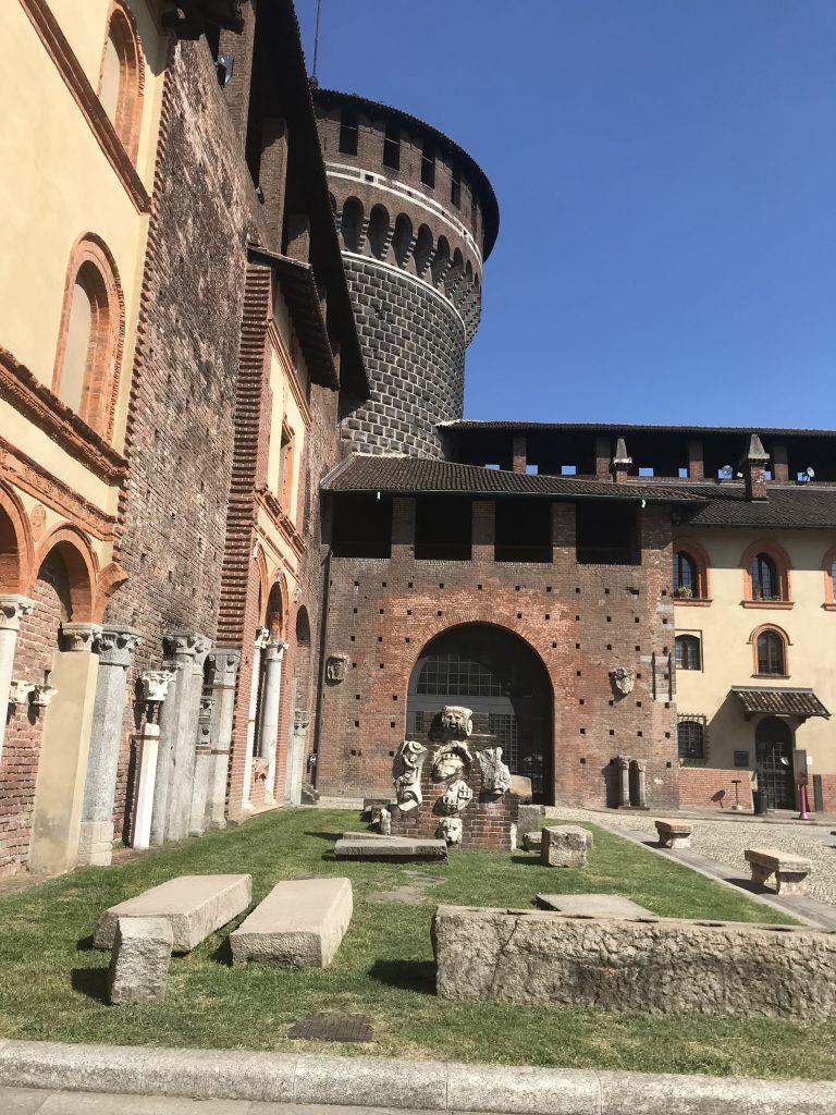 Castello Sforzesco, ponto turístico obrigatório em Milão