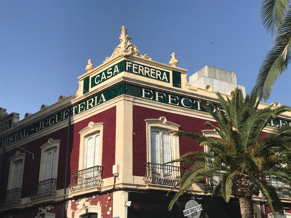 Detalhes das construções do porto de Almeria