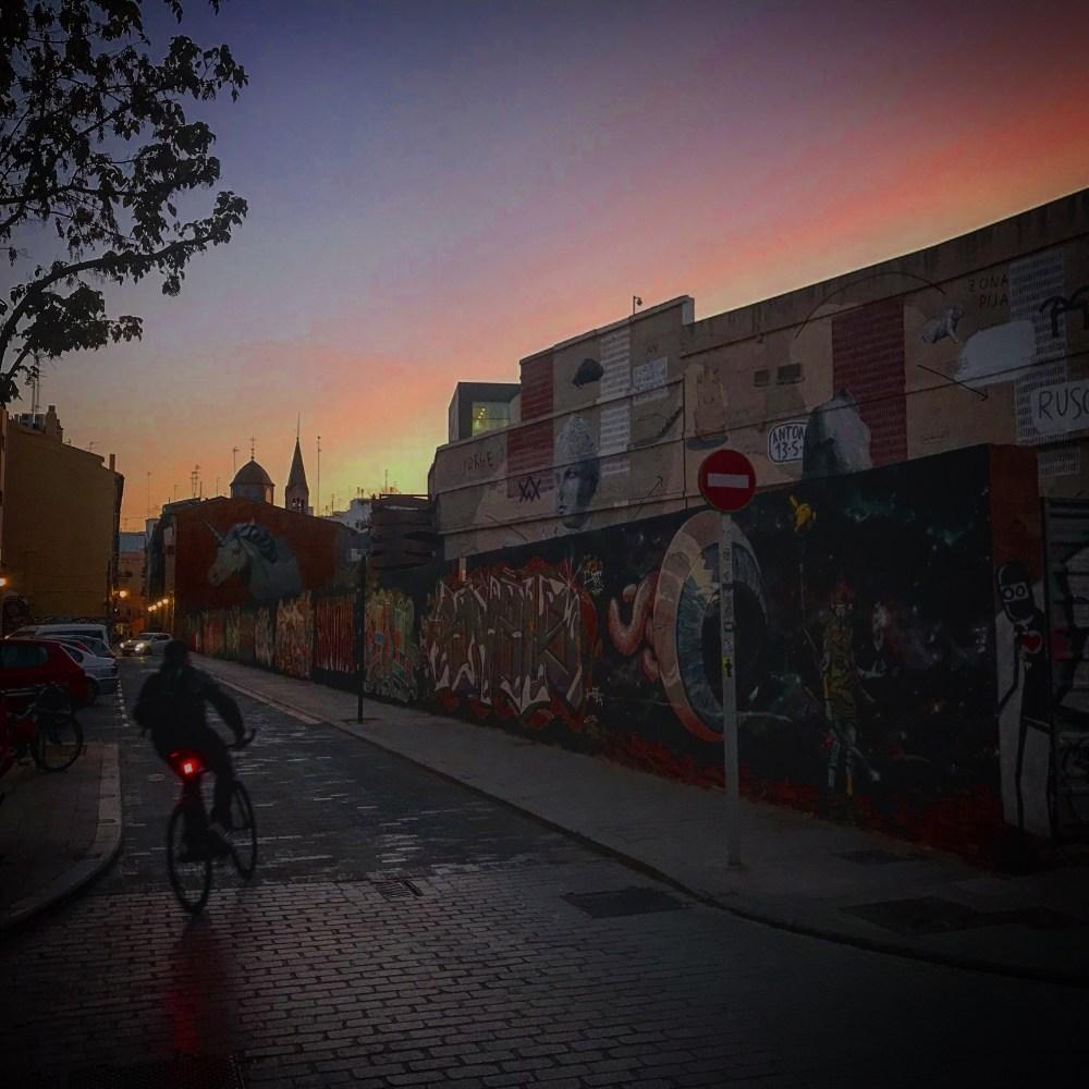 O unicórnio de Escif na rua de trás do IVAM é um dos destaques dos grafites de El Carmen, Valencia