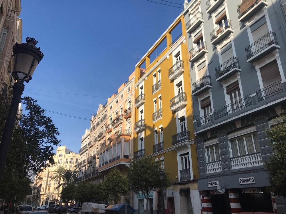 Art nouveau e cores no bairro hipster de Valencia