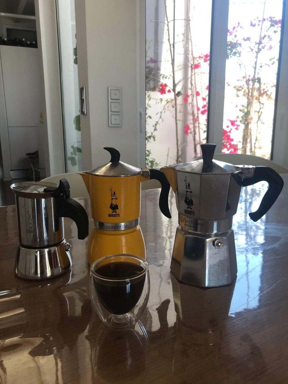 Os três modelos de cafeteira Bialetti que uso em casa
